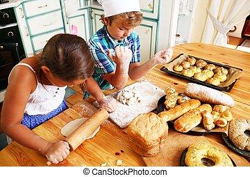 feliz, crianças, cozinhar, caseiro, massa