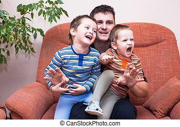 feliz, crianças, meninos, rir, com, papai
