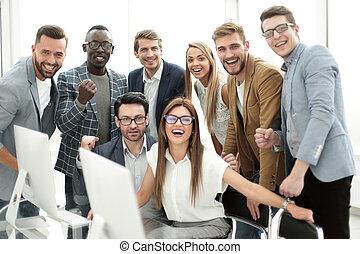 feliz, equipo negocio, en, el, workplace.