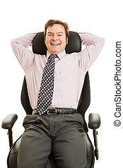feliz, executivo, em, cadeira ergonomic