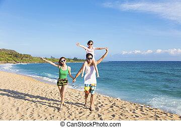 feliz, família jovem, andar, praia