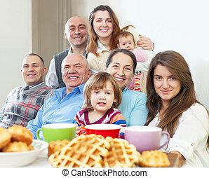 feliz, generaciones, retrato, familia , tres