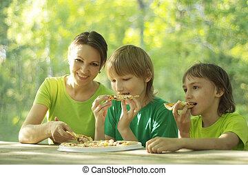 feliz, gente, comer, pizza