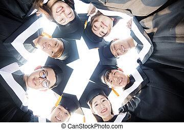 feliz, graduação, estudantes, jovem, grupo, ao redor, junto