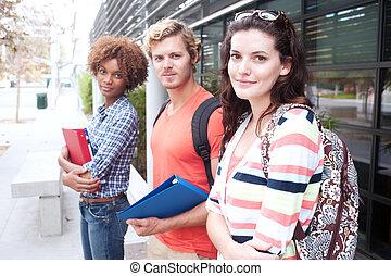 feliz, grupo, de, estudantes colégio