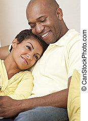 feliz, hombre norteamericano africano, y, mujer, pareja