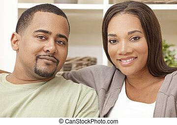 feliz, homem americano africano, mulher, par