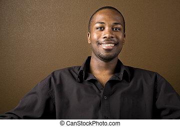 feliz, homem preto