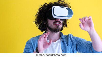 feliz, homem, usando, vr, headset, óculos, de, realidade virtual