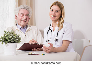 feliz, idoso, paciente