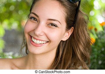 feliz, joven, morena, mujer, con, asombroso, smile.