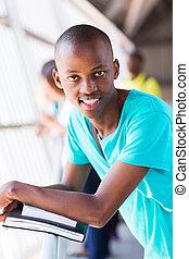 feliz, macho, africano, estudante universidade