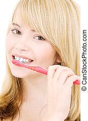 feliz, menina, com, escova de dentes