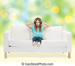 feliz, menina, em, fones, escutar música