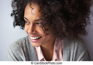 feliz, mulher americana africana, sorrindo