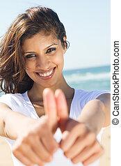 feliz, mulher jovem, dar, polegares cima