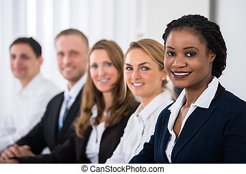feliz, multiétnico, businesspeople