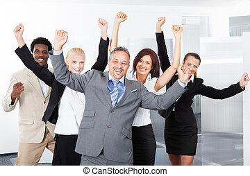 feliz, multiracial, businesspeople