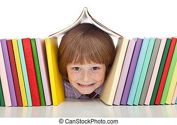 feliz, niño, con, colorido, libros