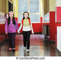 feliz, niños, grupo, en, escuela
