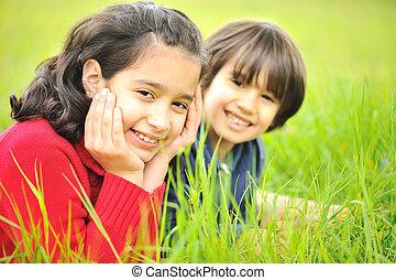 feliz, niños, naturaleza