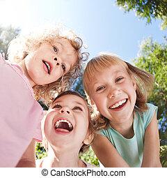feliz, niños, tener diversión