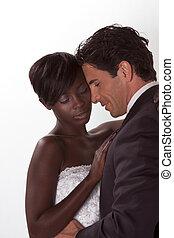 feliz, novo, wed, par interracial, em, casório, disposição