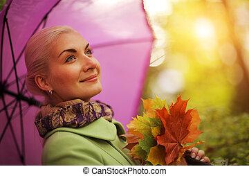 feliz, outono, mulher
