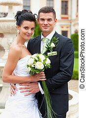 feliz, par jovem, casado