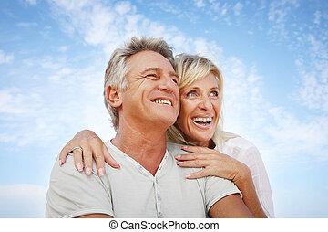 feliz, pareja madura