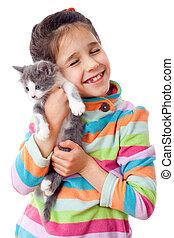 feliz, pequeno, carícia, menina, gatinho