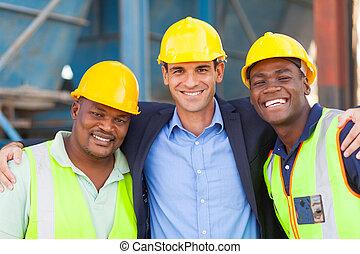 feliz, pesado, indústria, gerente, e, trabalhadores