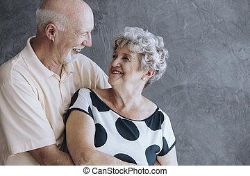 feliz, pessoas anciãs, par