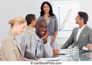 feliz, pessoas negócio, em, um, apresentação