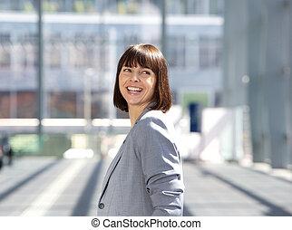 feliz, profesional, mujer de negocios