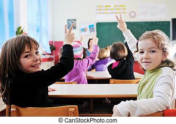 feliz, profesor, en, escuela, aula