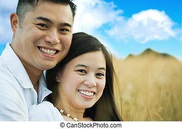 feliz, romanticos, par asiático