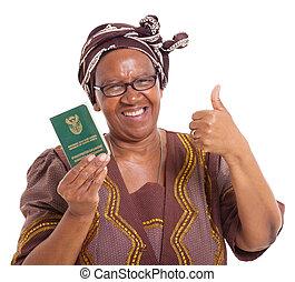 feliz, sênior, africano sul, mulher segura, identidade, documento