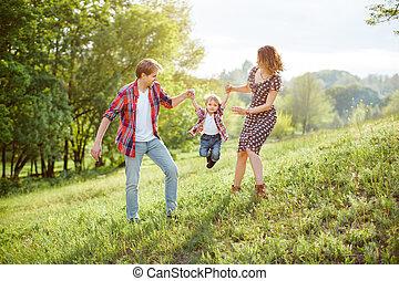 feliz, tocando, família, natureza