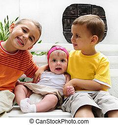 feliz, toddlers, com, menina bebê
