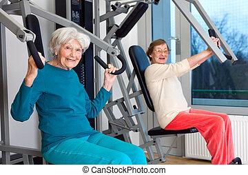 feliz, trabajando, gimnasio, anciano, afuera, mujeres