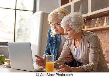 feliz, viejo, damas, lectura, receta, de, internet