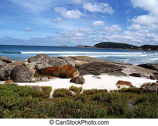 Felsiger Strand      -