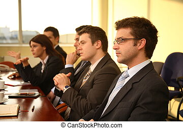 fem, affärspersoner, hos, a, konferens, -, handling