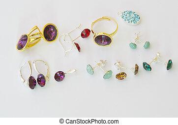 Female accessories: bijoux - Female accessories: gem stone ...