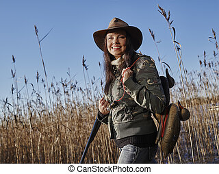 Female duck hunter - Waterfowl hunting, smiling female ...