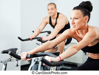 female veloargonometer gym