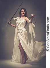 femida, diosa, de, justicia, con, escalas, y, espada