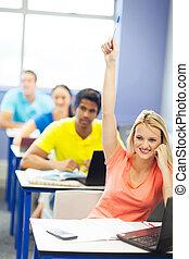 femininas, estudante universidade, levantando mão, para, faça uma pergunta