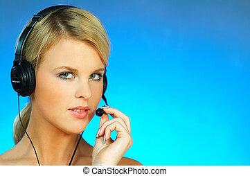 femme, à, a, casque à écouteurs